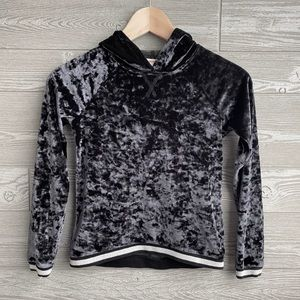 Black crushed velvet hoodie girls size S(7/8)